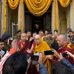 达赖喇嘛在菩提迦耶朝拜磨诃菩提寺正觉大塔