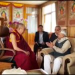 达赖喇嘛于菩提迦耶会见比哈尔邦首席部长库马尔