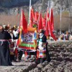 五星红旗飘扬,西藏传统春耕仪式沦为中共宣传舞台