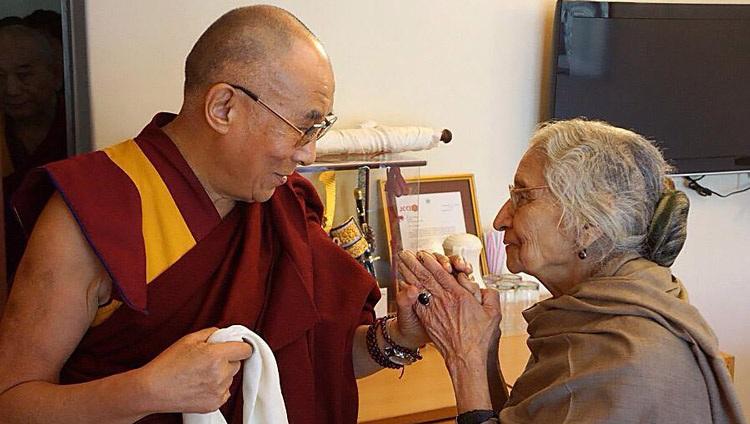 达赖喇嘛与藏人司政致函哀悼印度援藏女士卡毕拉·瓦兹雅扬逝世