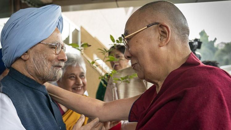 印度前总理曼莫汉•辛格新冠检测呈阳性,达赖喇嘛祈愿他早日康复