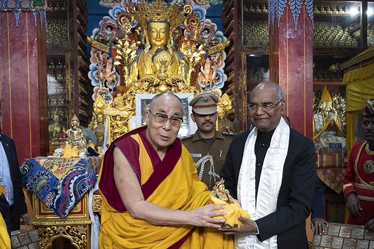 达赖喇嘛致函祝贺印度总统顺利进行心脏手术