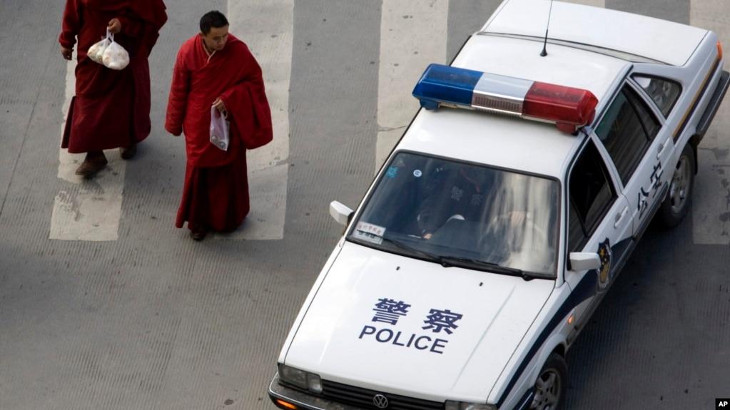 中共当局在西藏东部白玉县非法拘捕三名藏人