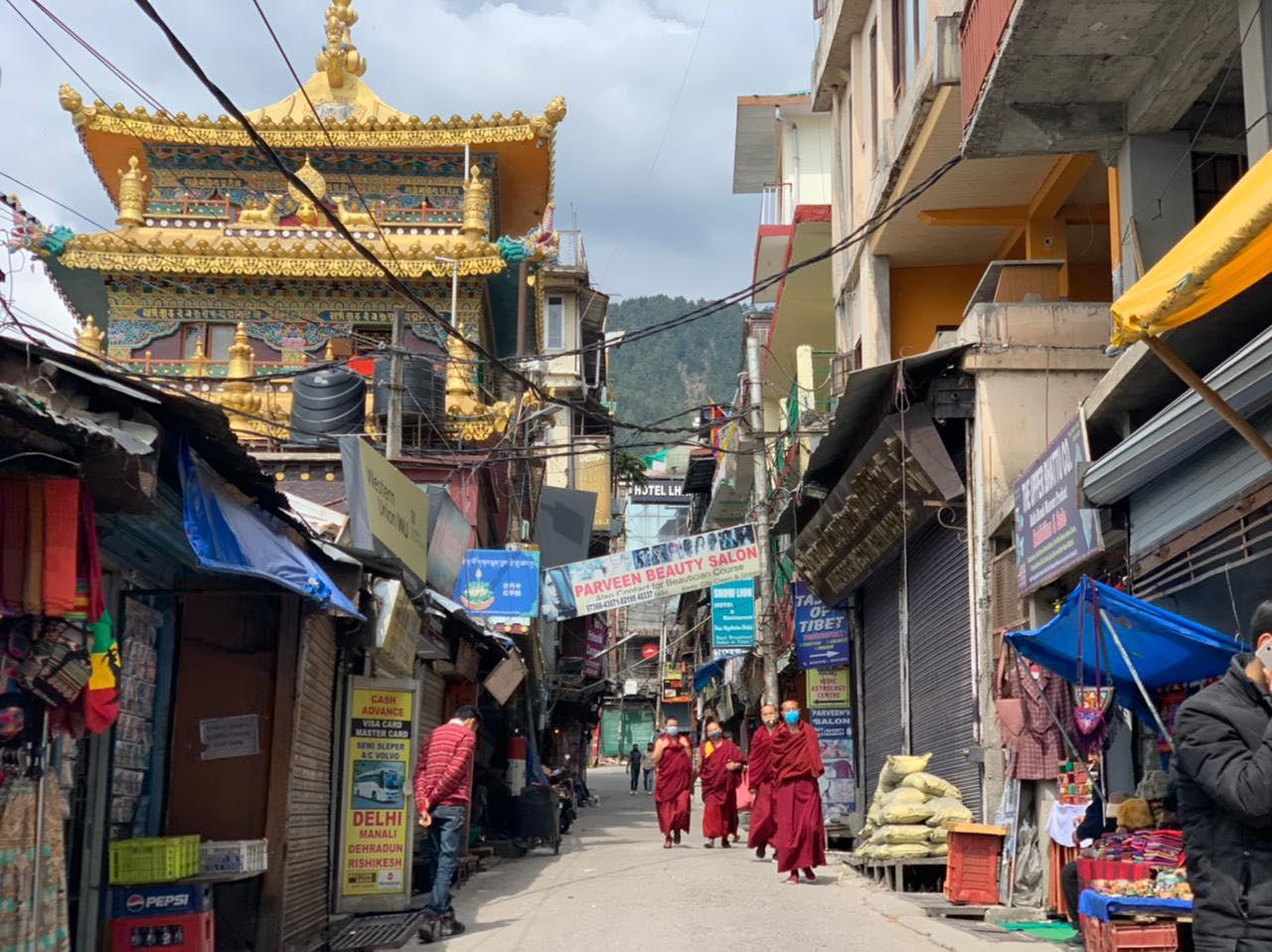 欧洲流亡藏人向印度与尼泊尔的藏人捐款援助防疫计划