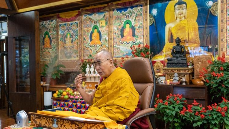 """达赖喇嘛尊者以""""我们的幸福、健康和未来""""为主题发表演讲"""
