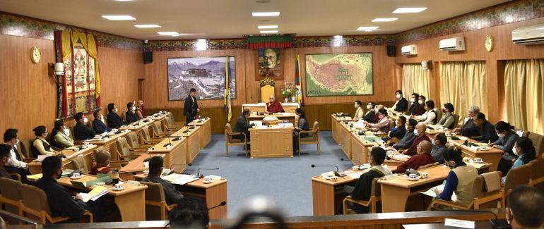 第十七届西藏议会第一次会议开幕,对新一届内阁部长提名进行表决