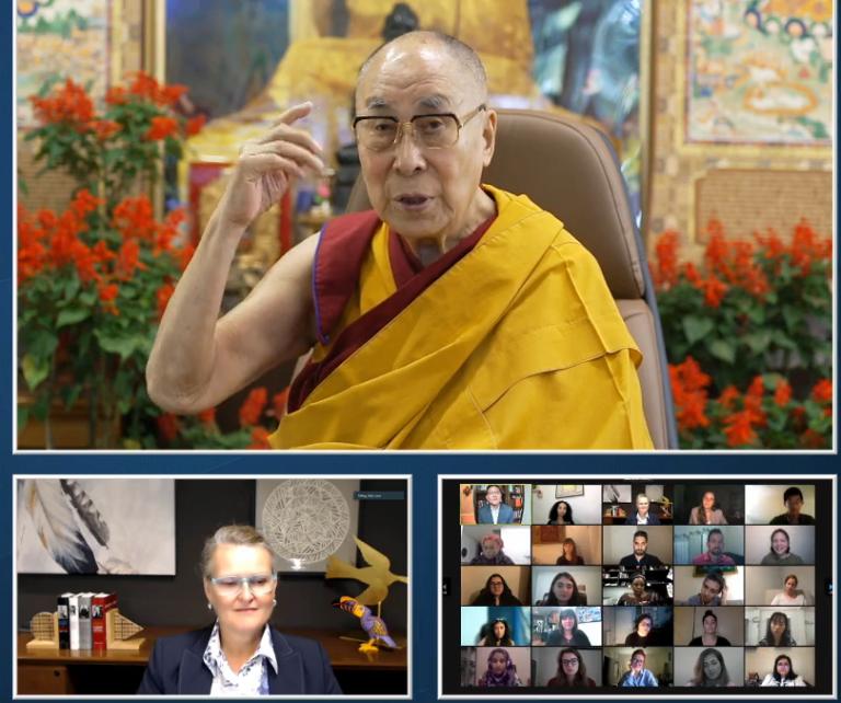 达赖喇嘛结束与受青年领袖间的对话:用理智来面对逆境