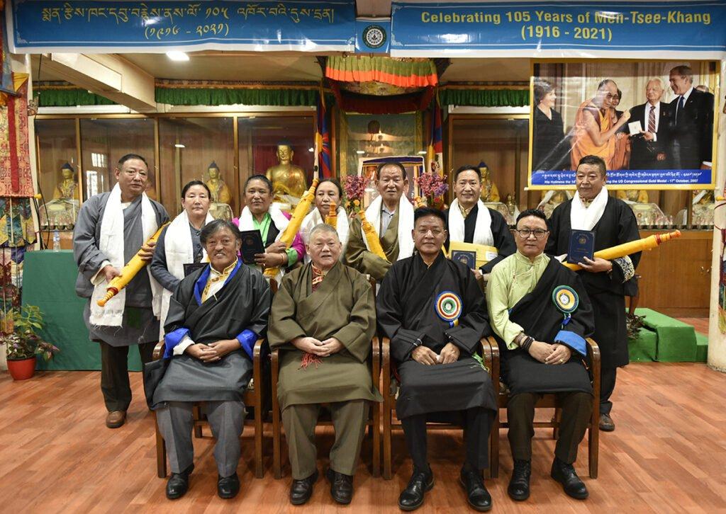 藏医学院举办庆典,迎接重建60周年